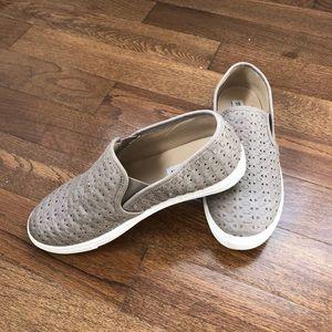 Steve Madden slide on shoes